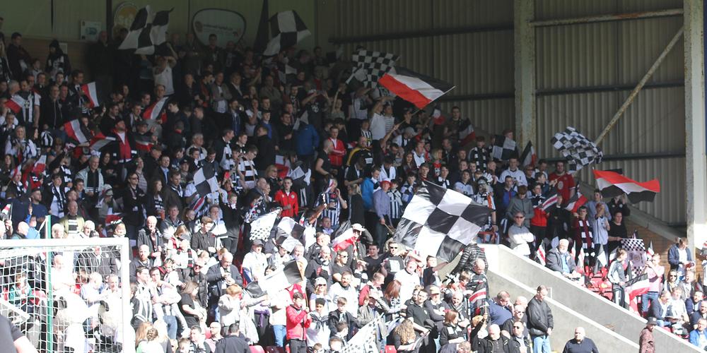 Fans-Away-Day.thumb.jpg.5c8123f8eb79cb11625a981c6d070b54.jpg