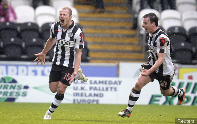 aaron_mooy_l_celebrates_with_paul_mcgowan_after_scoring_the_firs_182975.jpg