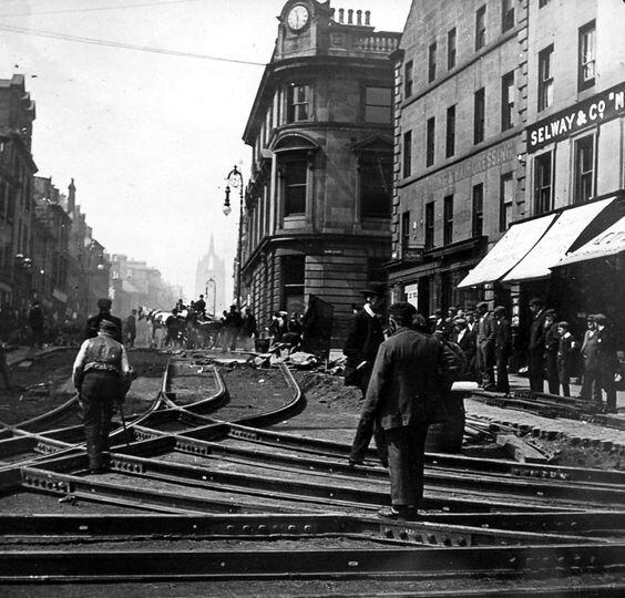 Paisley More tram lines being laid.jpg