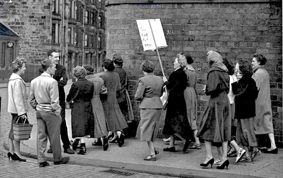 Paisley mill strike, 1956 1.jpg