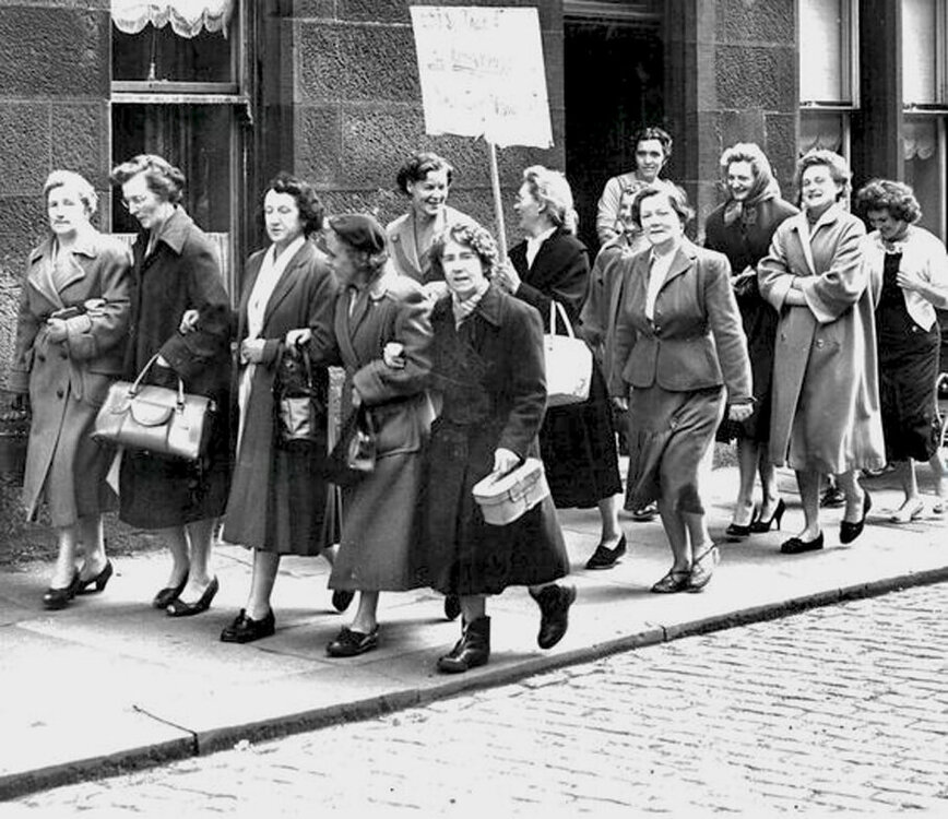 Paisley mill strike, 1956 2.jpg