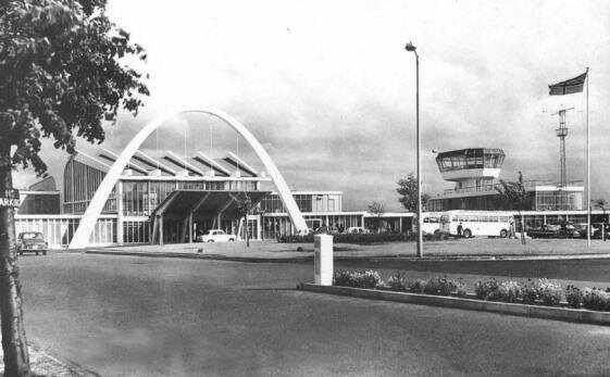 Renfrew Airport Exterior.jpg