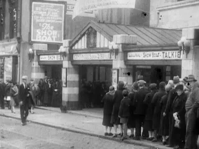 Paisley La Scala circa1936 - Show Boat is a 1936 romantic musical film based on the 1927 musical of the same name.jpg